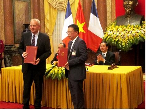 Bước tiến mới trong quan hệ hợp tác về công nghệ không gian giữa Viện Hàn lâm KHCNVN và Trung tâm nghiên cứu vũ trụ Quốc gia Cộng hòa Pháp